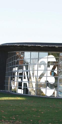 Identité visuelle de marque du Lycée Jean XXIII par l'Agence de communication visuelle Morgane.